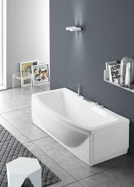 Vasca da bagno con interno ampio
